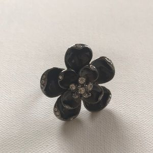 Jewelry - 10 for $35 ☀️ Flower ring
